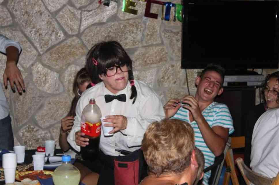 Qué hace un camarero infiltrado portada 2 - ¿Qué hace un camarero infiltrado?