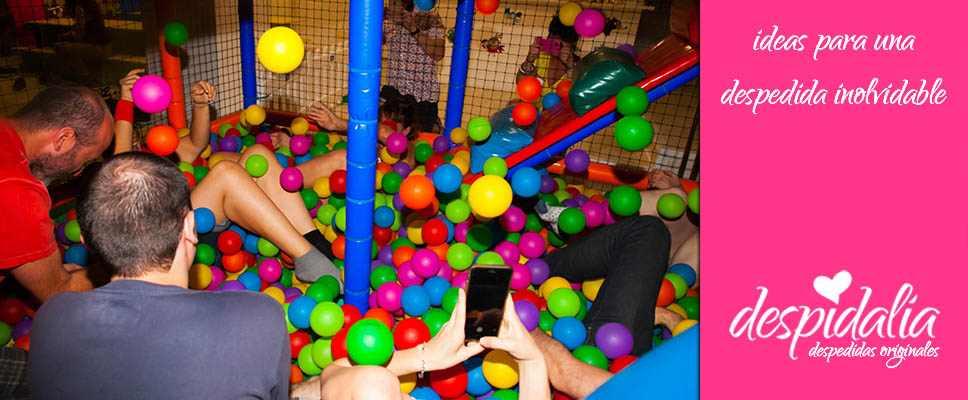 Parque de bolas para adultos en Barcelona para cumpleaños y despedidas