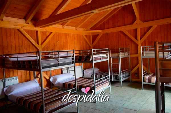 casa rural despedidas madrid1 - Montar una despedida en un camping