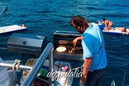despedida barco barcelona1 445x296 - Fiestas en barco en Barcelona para Despedidas de Soltera y Soltero