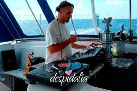 Catamarán + Cena + Stripper + Disco + Copa