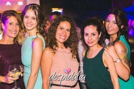 discoteca bikini despedida barcelona1 445x296 - Gincana + Cena + Disco + Copa