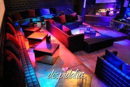 discoteca bikini despedida barcelona4 445x296 - Risoterapia + cena + disco + copa