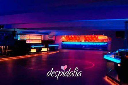 discoteca costa breve despedidas barcelona1 445x296 - Gincana de Bares + Cena + Disco + Copa