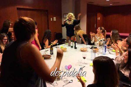 drag queen despedidas barcelona5 445x296 - Drag Queen