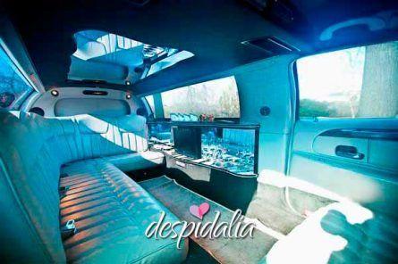 limusina lincoln barcelona2 445x296 - Limusina Lincoln Blanca