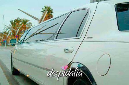 limusina lincoln barcelona4 445x296 - Limusina Lincoln Blanca