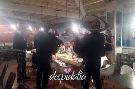 mariachis despedida barcelona1 445x296 - Taller de baile + cena + mariachis