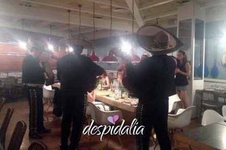 mariachis despedida barcelona1 445x296 - Mariachis