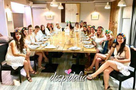 restaurante les corts despedidas1 445x296 - Taller de baile + Parque Adultos + Cena