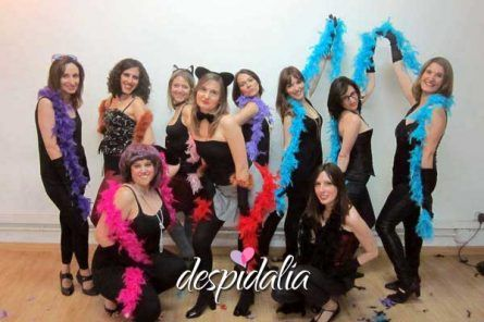 taller burlesque despedida barcelona3 445x296 - Spa + Taller de baile + Restaurante