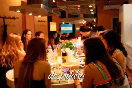 taller cocina despedida barcelona1 445x296 - Taller gastronómico
