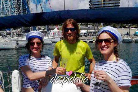 velero privado barcelona despedidas3 445x296 - Despedida en velero privado