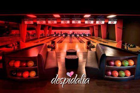 bowling despedida barcelona 445x296 - Karting + Láser Tag + Bowling