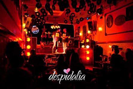improshow barcelona despedida2 445x296 - Show de Improvisación