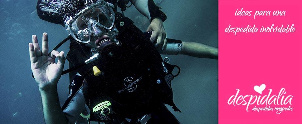 Bautismo de submarinismo para despedidas de soltero