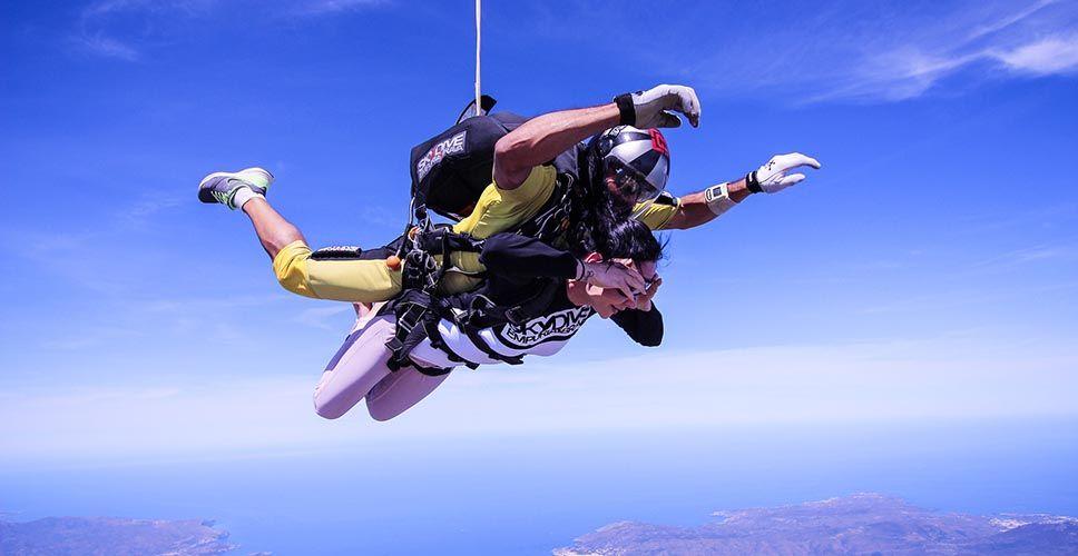 Salto tándem en paracaídas para despedidas 2 - Salto tándem en paracaídas para despedidas