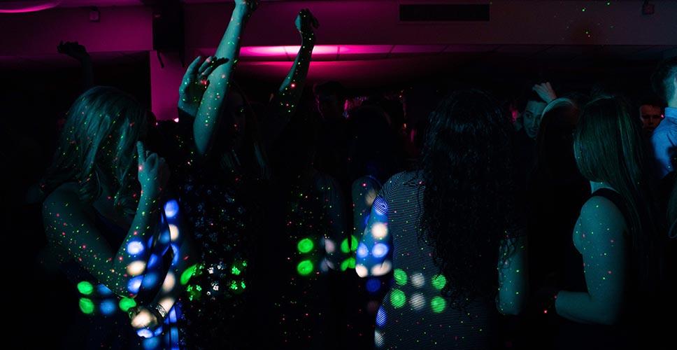 Noche de chicas en Barcelona 3 - Noche de chicas en Barcelona