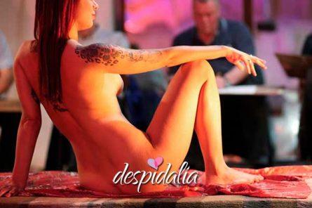 clase dibujo femenido desnudo 445x296 - Clase de dibujo de desnudo femenino