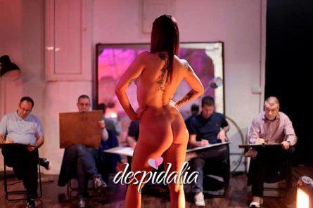 clase dibujo femenido desnudo3 445x296 - Clase de dibujo de desnudo femenino