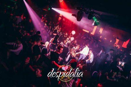 cena cabaret barcelona2 445x296 - Cena con show Cabaret y disco